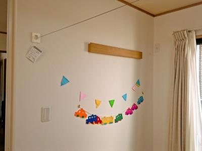 無印良品の3連ハンガーと壁に付けられる家具・長押